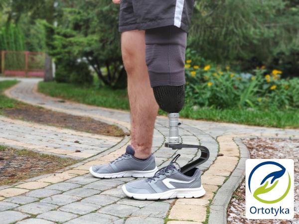 porteza-sportowa-nogi-do-biegania-stopa-challenger-ottobock-warszawa-dobra-ile-kosztuje-włókno-węglowe